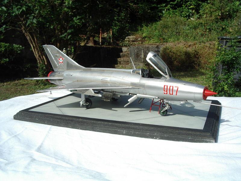 mig-21F13-03.JPG