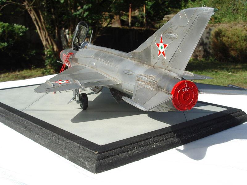 mig-21F13-08.JPG